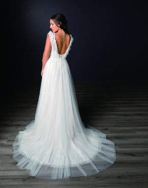 Spring-2020-_-Evelyn-Bridal-Collection-Email_Page_19_Image_0001