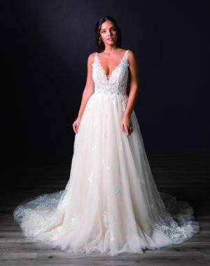 Spring-2020-_-Evelyn-Bridal-Collection-Email_Page_28_Image_0001